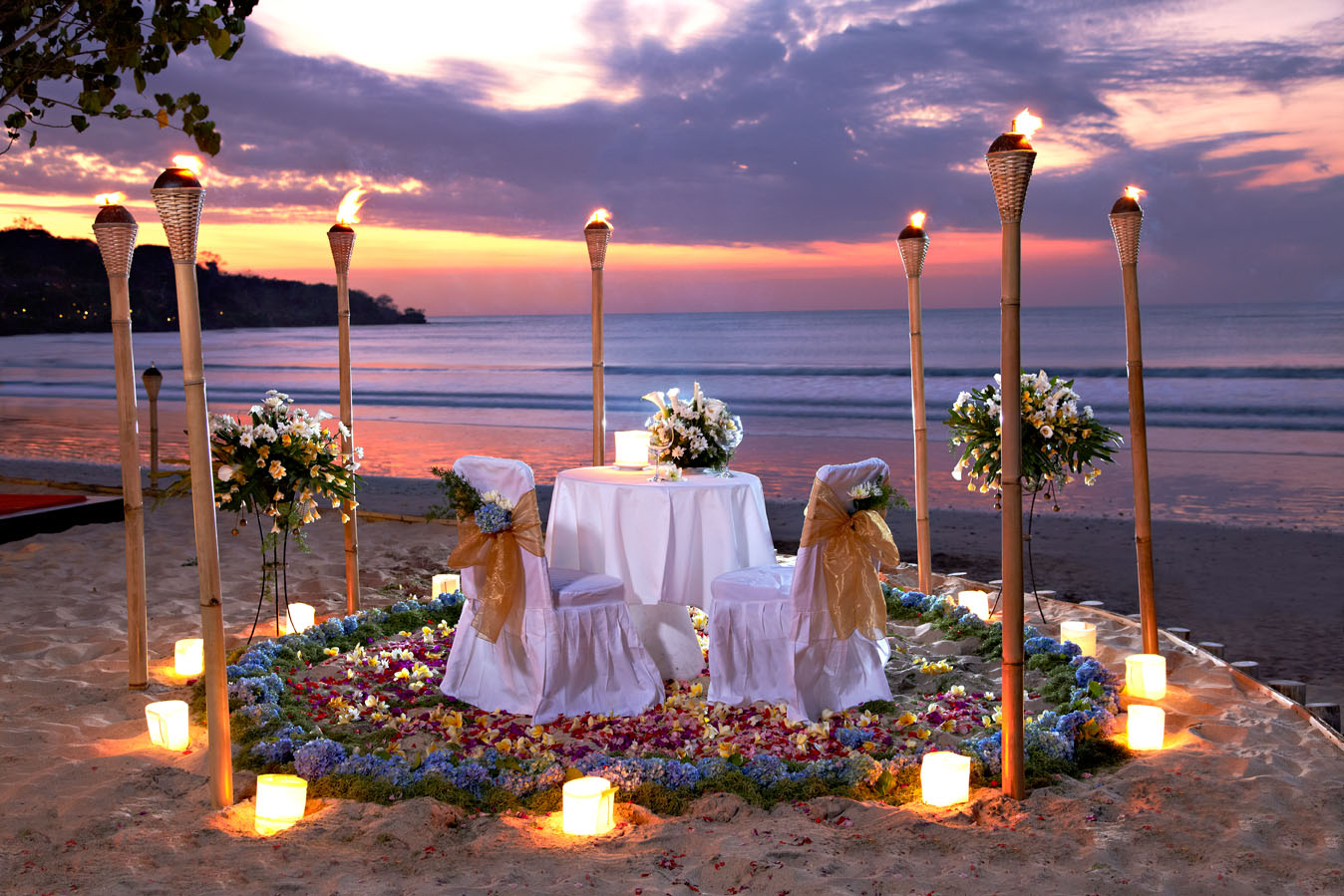 Restaurants kupu kupu jimbaran for Romantic dinner
