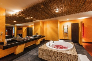 Honeymoon-Suite-Bathroom-3-A
