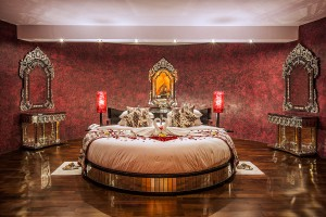 Honeymoon-Suite-Bedroom-9-A